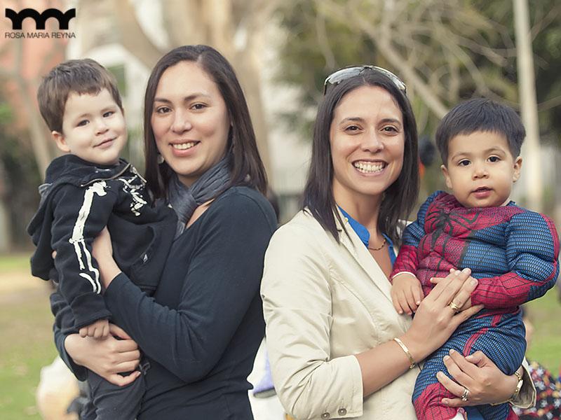Vasco y Marcelo con sus mamis