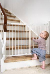 Precauciones de seguridad en una casa con bebes mami s cool - Seguro para puertas bebe ...